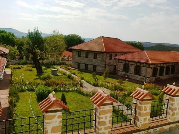 Почетоха ги с уникална обиколка в 8 населени места в Сливенско