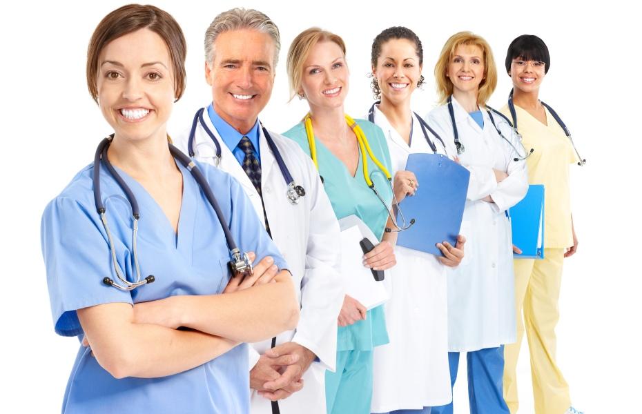 Aile hekimlerinin genel tıpta uzmanlaşmaları için süre uzatıldı