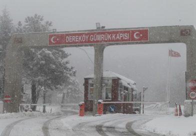 Dereköy Sınır Kapısı'nda yoğun kar yağışı