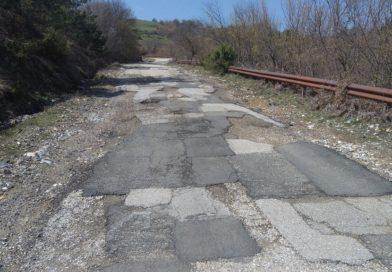 Protestolara neden olan bozuk yolun onarımı başladı