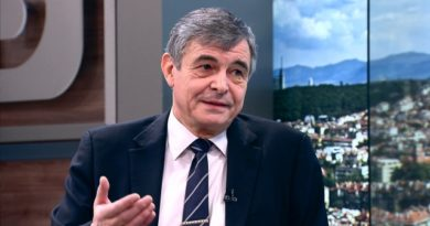 Bulgaristan'ın eski Başbakanı Sofiyanski, yeni bir Anayasa hazırlıyor
