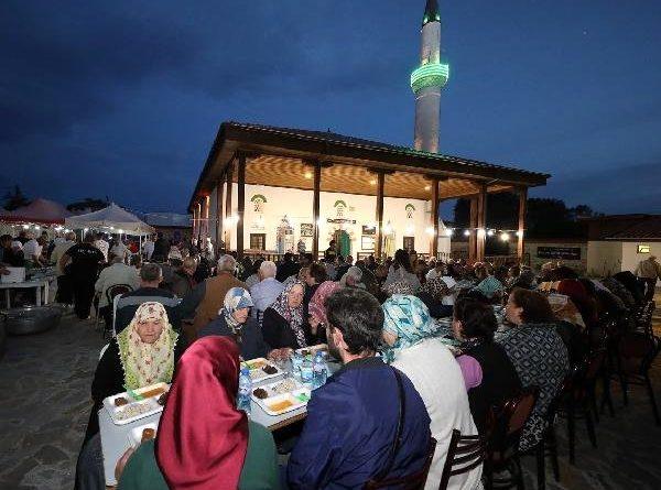 Bursa Büyükşehir Belediyesi Cebel'de iftar verdi